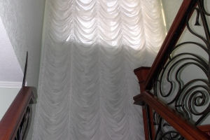 Шторы для лестницы и мансарды фото 2